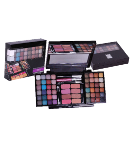 Malibu Glitz Ultimate Combination Makeup Set Dimensions: 6Lx14Wx2H (105596A)