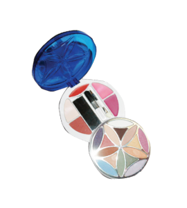 15 Eyeshadow/ 2 Blush/ 2 Face Powder/ 1 Lip Gloss Dimensions: 11Lx4.75Wx4.5H (262)