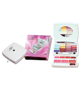 BR 20 Eyeshadow/ 4 Lip Gloss/ 3 Blush/ 1 Mascara Dimensions: 10Lx4.75Wx1H (JC229-4)